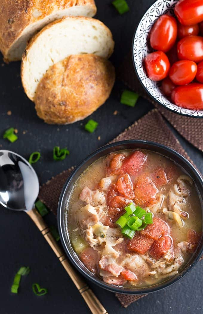 Manhattan Clam Chowder - So tasty! Filled with baby clams, bacon, potatoes and tomatoes.