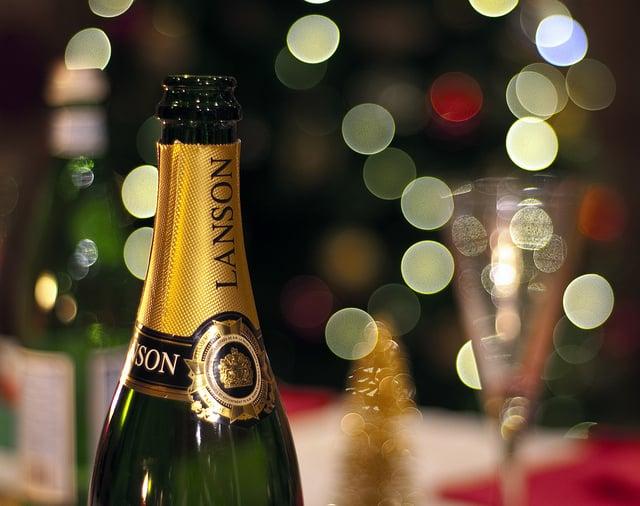 10 gorgeous photographs of Christmas bokeh!