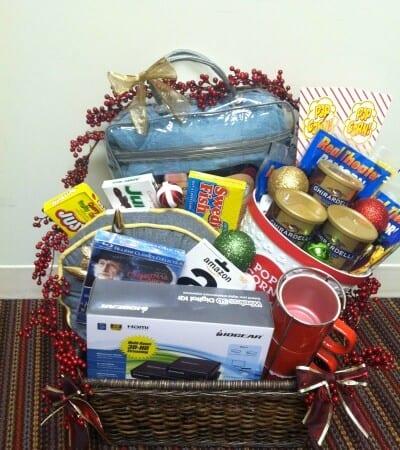 IOGEAR Holiday Basket