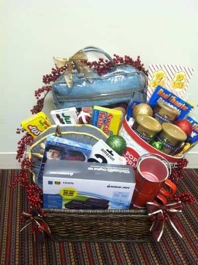 IOGEAR Holiday Basket