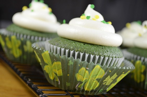 Green Velvet Cupcakes With Cream Cheese Icing
