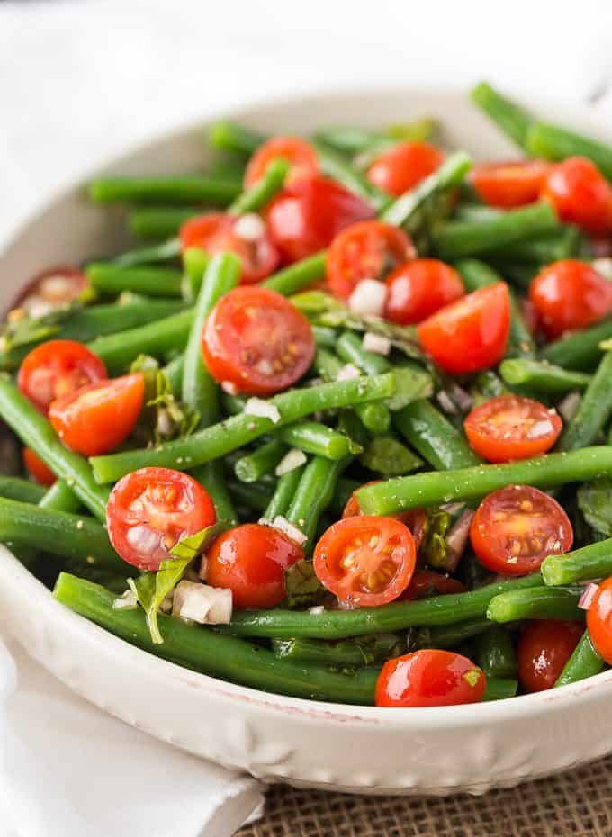Green Bean & Tomato Salad - Fresh, flavourful and nutritious! Serve this healthy salad alongside your fave dish.