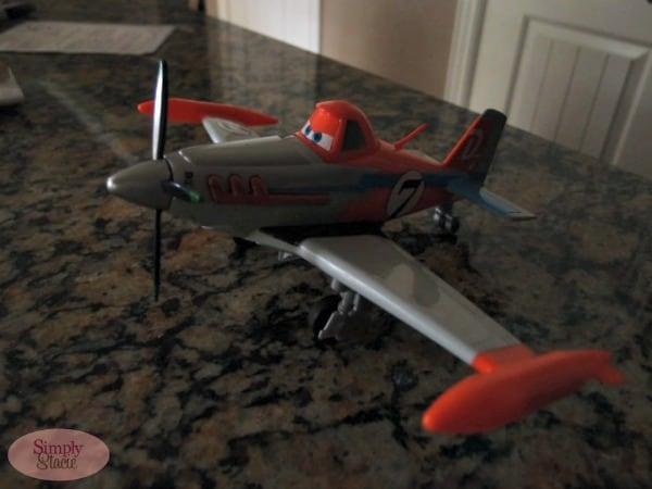 Disney's Planes Dusty Crophopper Deluxe Talking Plane Review