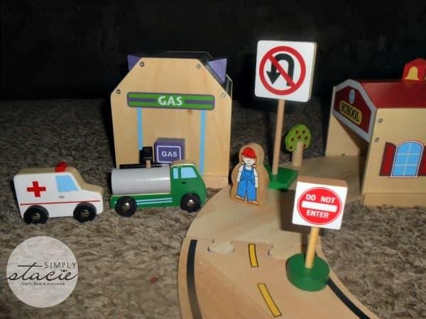 Guidecraft Community & Roadway Essentials Review