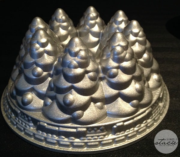 Nordic Ware Holiday Tree Bundt Pan Review - Simply Stacie