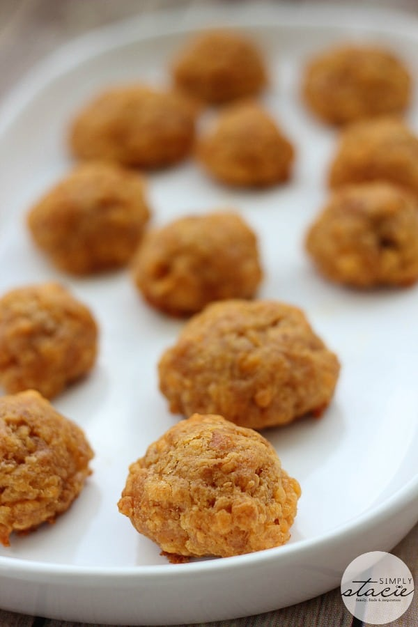 Olive Cheese Balls - My mom used to make these appetizers. I've always hated olives, but liked these!