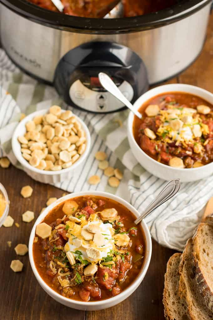 Presidential Chili - The best hearty chili recipe made with a secret ingredient! Warm up with a bowl of meaty comfort food packed with ground beef and seasoned kidney beans.