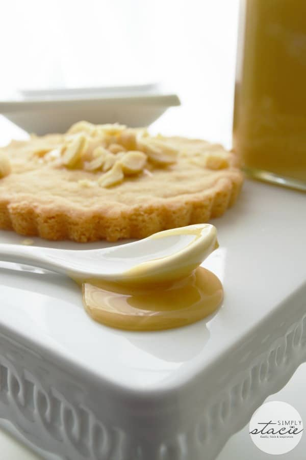 Shortbread with Macadamia Nuts and Honey - Sweet and delicious!
