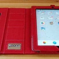 The Snugg iPad 2 Case Cover and Flip Stand Review