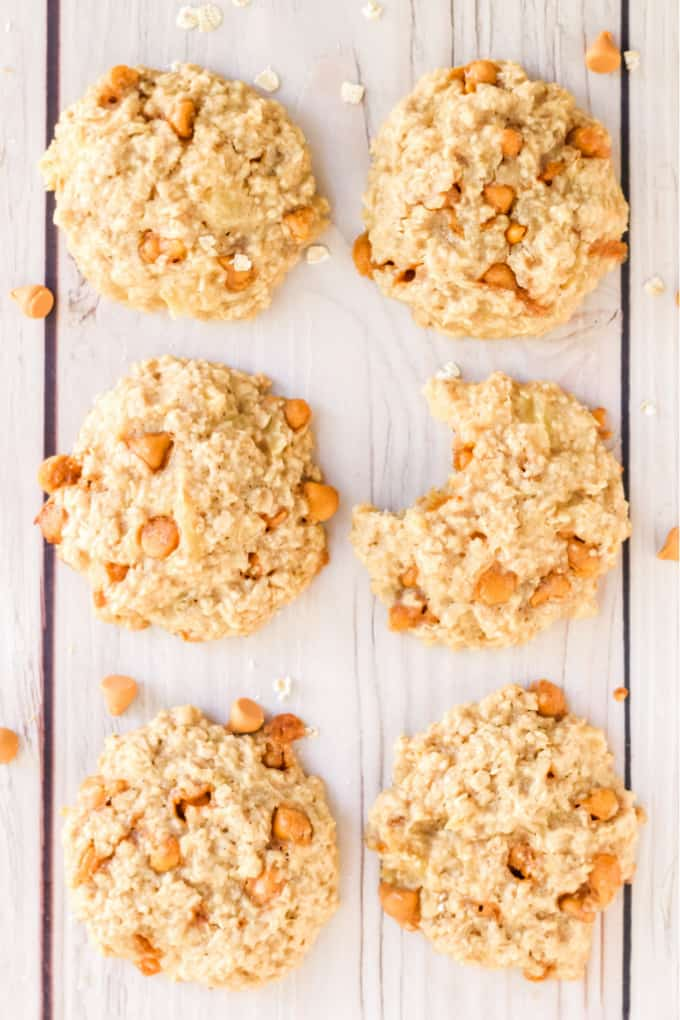 Pineapple Oatmeal Scotchies - Moist, chewy oatmeal cookies packed with pineapple and butterscotch are a delicious treat. Made with pantry items, they are quick and easy to whip together.