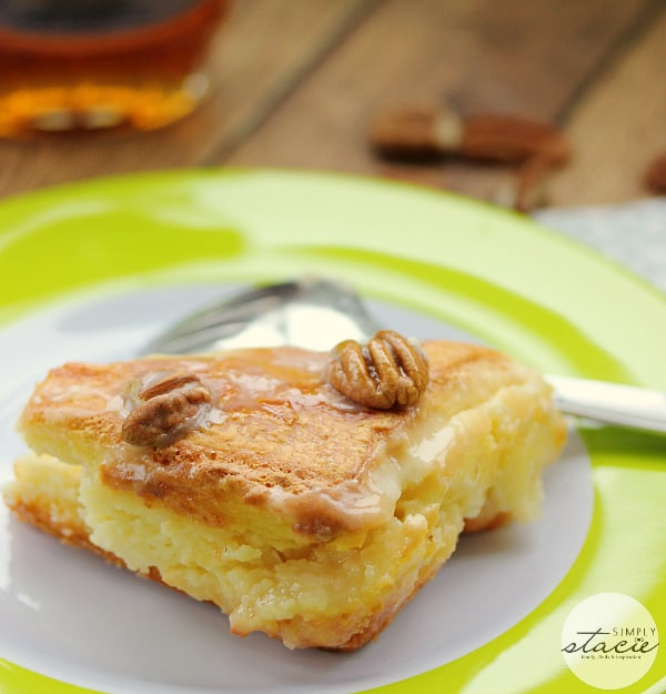 Maple Pecan Danish Bake - Baked with maple syrup and cream cheese filling and topped with a maple pecan glaze. This dessert is so easy to make and never lasts long!