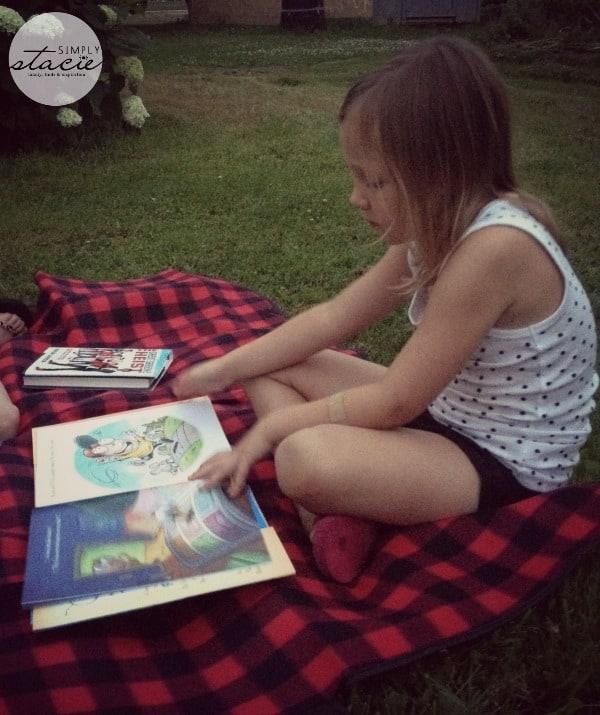 reading under stars8