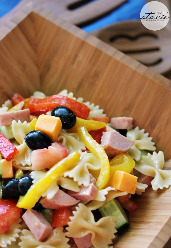 Roasted Pepper Pasta Salad ~ colorful, fresh and filling! I love serving this salad at summer barbecues.