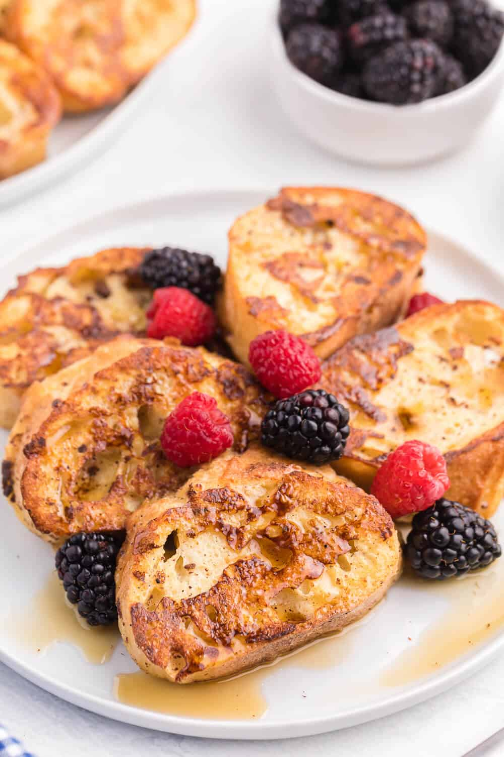 Baked French Toast - Make it the night before and bake it the next morning for breakfast! Healthy, delicious and sugar free!