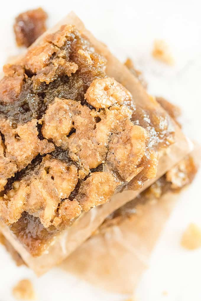 Maple Syrup Bars - If you like butter tarts, then you will LOVE this dessert! Maple + butter tarts are combined to make these incredible, sweet and delicious squares. Oh Canada!