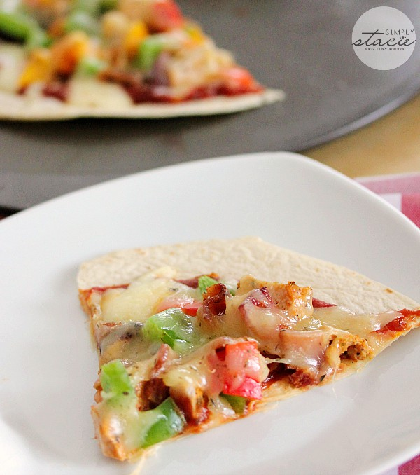 Chicken & Bacon Pizza Quesadilla - perfect for those nights when you need to get dinner on the table quickly! My kids love this recipe.