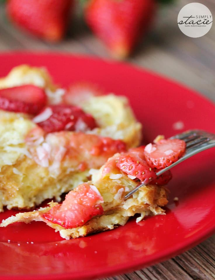 Strawberry & Coconut Breakfast Casserole - This is such a quick and easy overnight breakfast casserole to throw together. The strawberries add a beautiful colour, and the coconut is a delicious surprise flavour!
