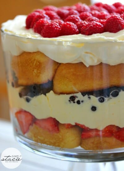 Berry Cheesecake Trifle