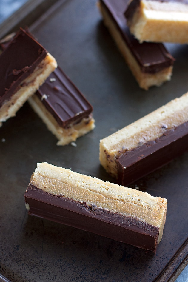 20 Mouthwatering Shortbread Desserts - Shortbread desserts are the BEST! How can you not love all that buttery, melt-in-your-mouth sweetness?