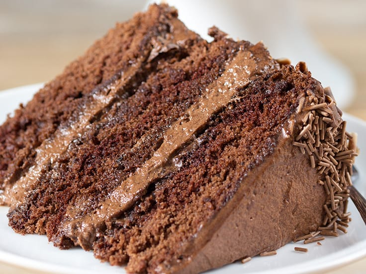 Cake With Chocolate Mousse Filling : Chocoholics Chocolate Mousse Cake - Simply Stacie