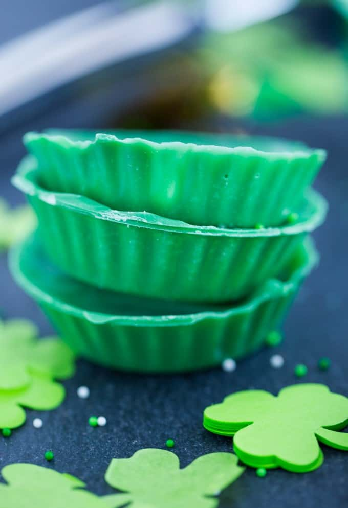 St. Patrick's Day Candy Cups - ONE ingredient! This recipe is super easy to make and fun to eat.