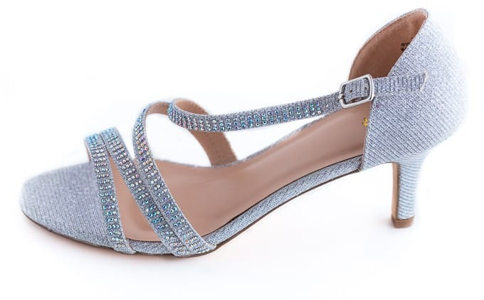 8 Tips for Finding the Perfect Prom Shoes - Cross a big item off your prom shopping to-do list with these simple tips!