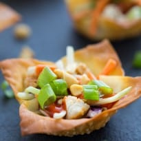 Thai Sriracha Chicken Salad Wonton Cups
