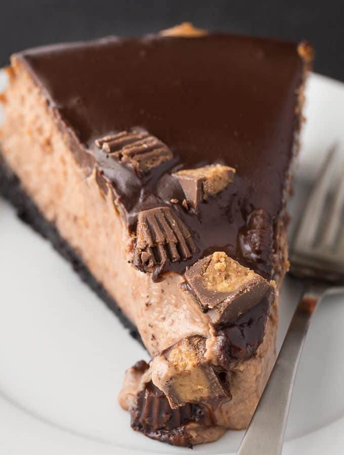 Reese Cheesecake - So creamy, smooth and full of delicious chocolate peanut butter flavour! Each bite is a little bit of cheesecake heaven.