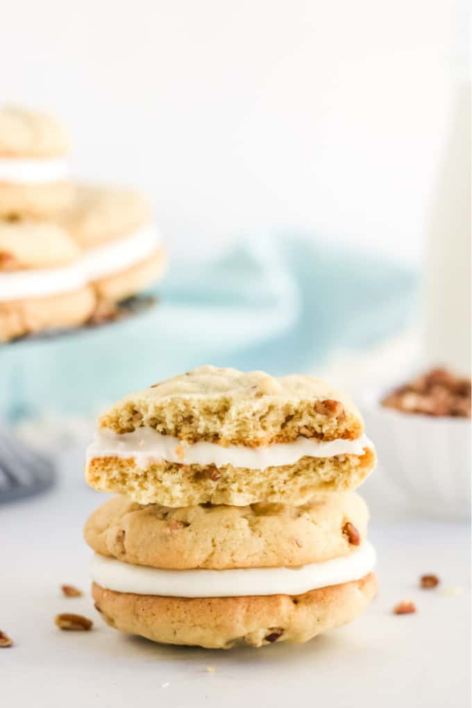 Pecan Cookies with Cream Cheese Filling - Think sugar cookies with a decadent nutty flavour and rich, smooth cream cheese frosting.