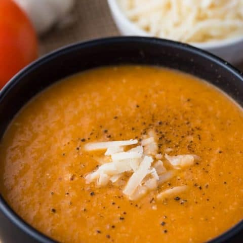 Roasted Garlic & Tomato Soup
