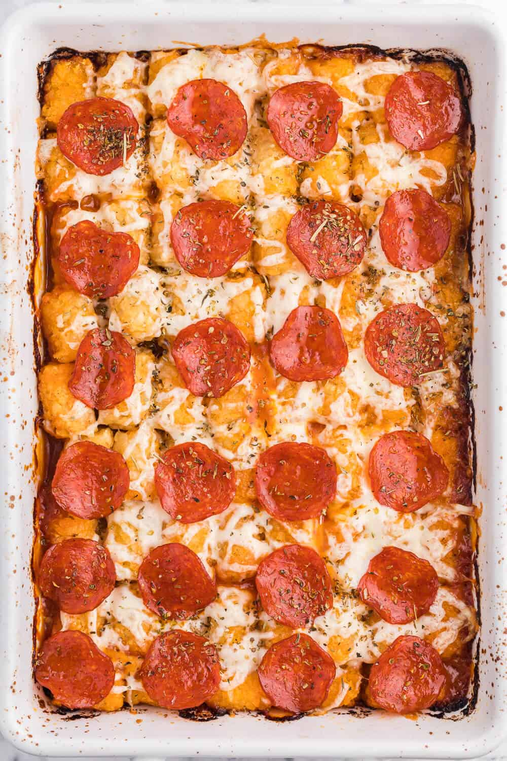 Pizza Tater Tot Casserole - This one is a surefire hit with kids and kids at heart. With a tater tot base, topped with all of your family's favourite pizza flavours, this is a great alternative for pizza night!