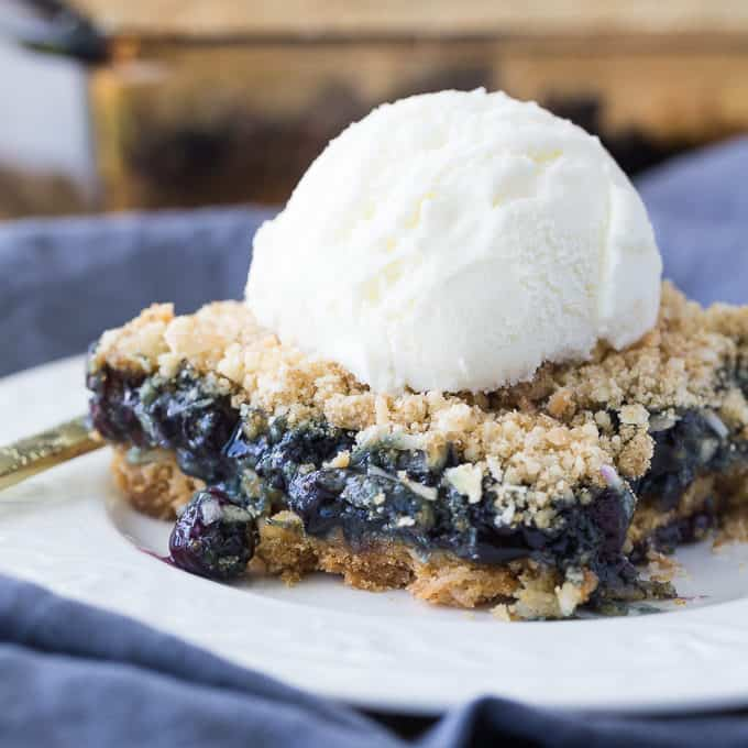 Blueberry Crackle Cake - Simple and perfectly sweet, this vintage dessert is packed full of so much deliciousness.