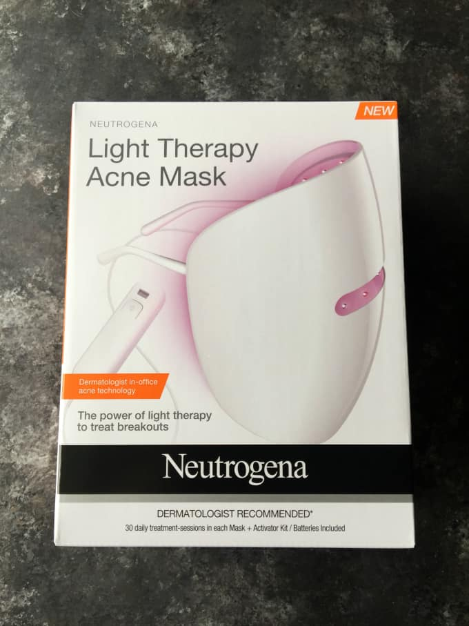 Fight Acne with NEUTROGENA Light Therapy Acne Mask
