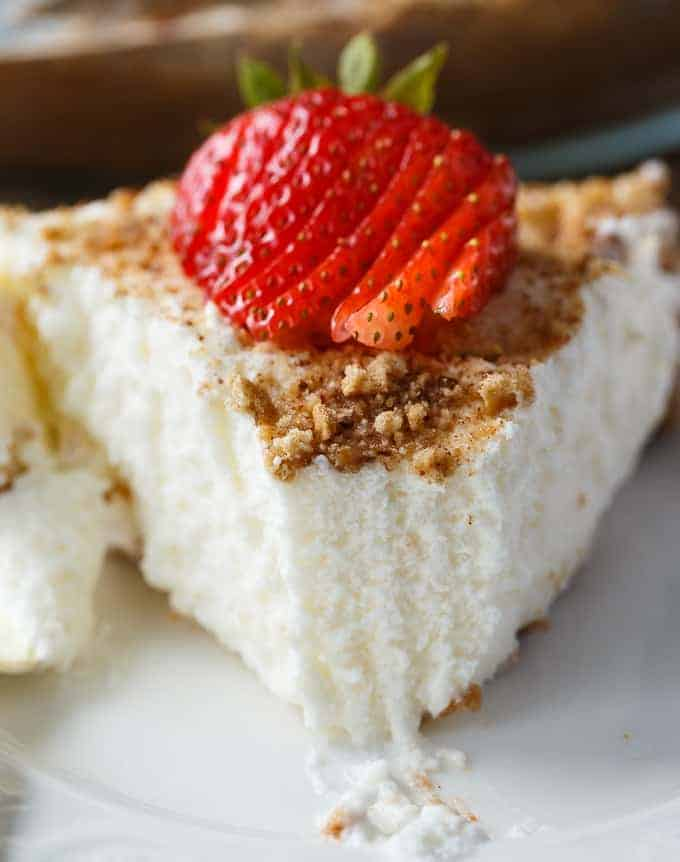 Marshmallow Pie - Creamy and sweet! This rich no-bake pie is like heaven on earth.
