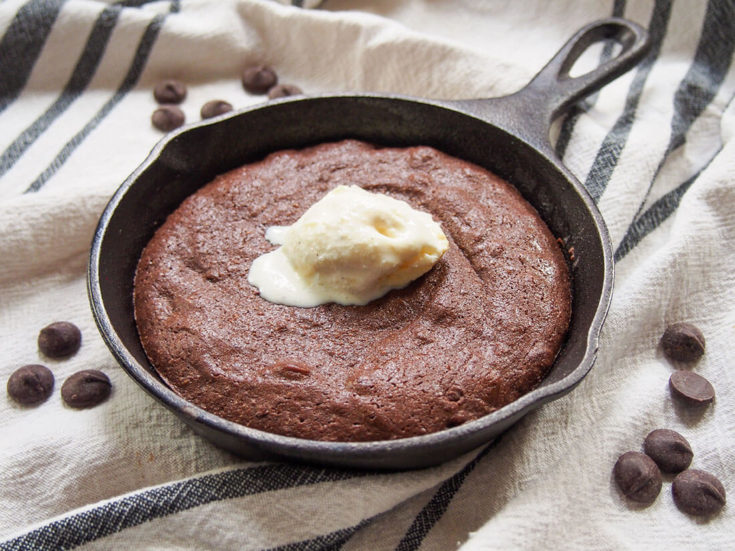Mini skillet brownie