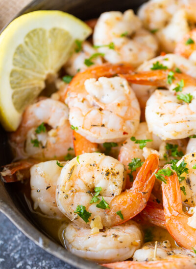Garlic Shrimp - Delicious garlic is cooked in a flavorful garlic butter sauce.