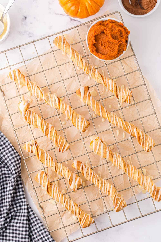 air fryer pumpkin pie twists on a cooling rack